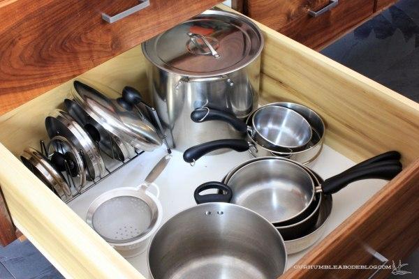 kitchen-drawer-pots