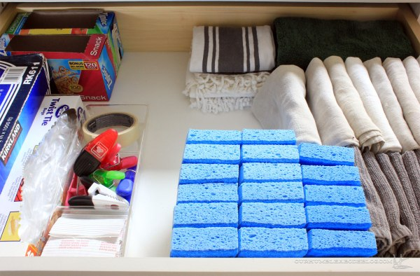 kitchen-drawer-towels