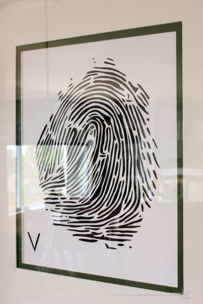 color-mat-around-fingerprint-art