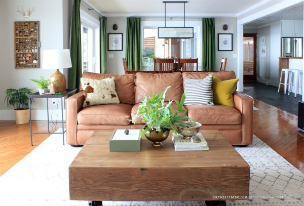living-room-rug-under-leather-sofa
