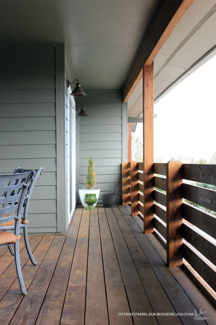 Front-Deck-Dining-Door-Walkway