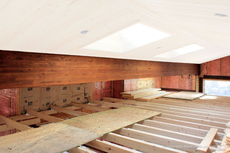 pool-house-beam-stained-with-white-ceiling
