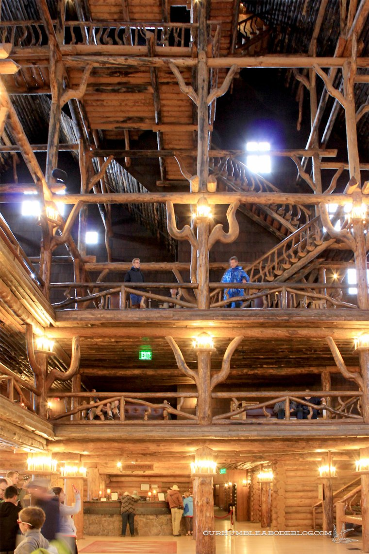Old-Faithful-Lodge-Entry-in-Yellowstone-National-Park