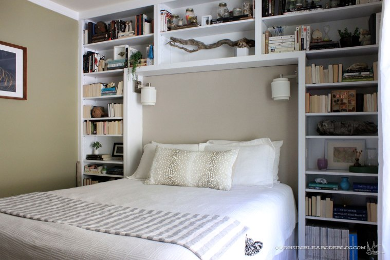 Guest-Bedroom-Bookshelves
