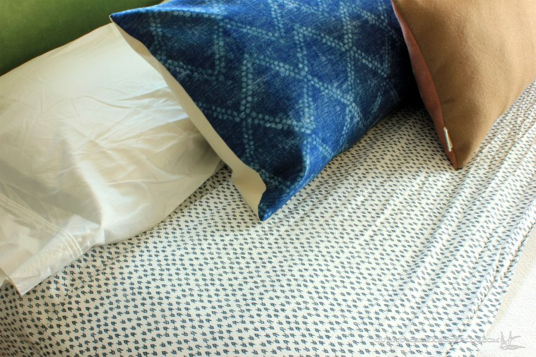 Oversized-Lumbar-Pillow-in-Master-Pattern-Detail