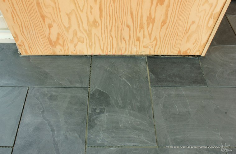 Pool-House-Slate-Tile-Wall-Detail