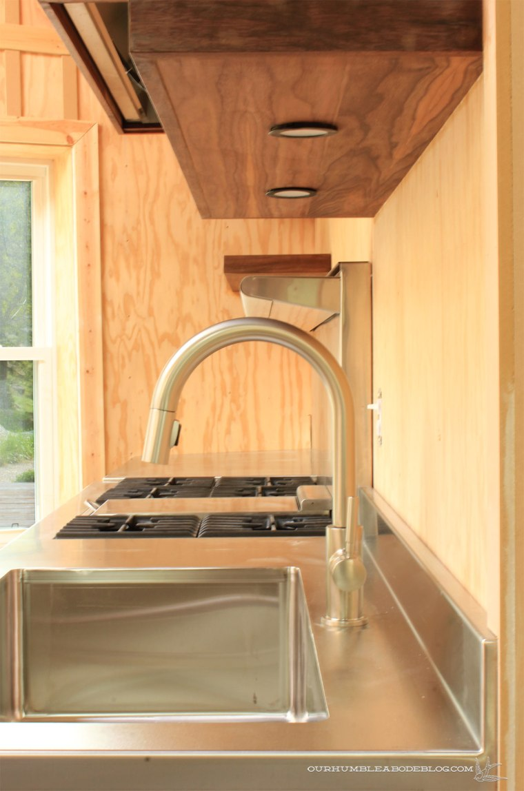 Pool-House-Kitchen-Stainless-Countertops-Sill-Detail