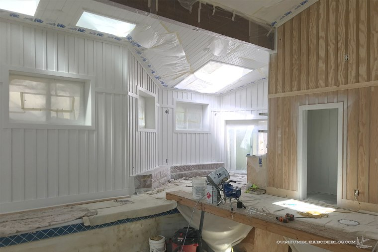 Priming-Pool-House-Walls-Kitchen-Benches