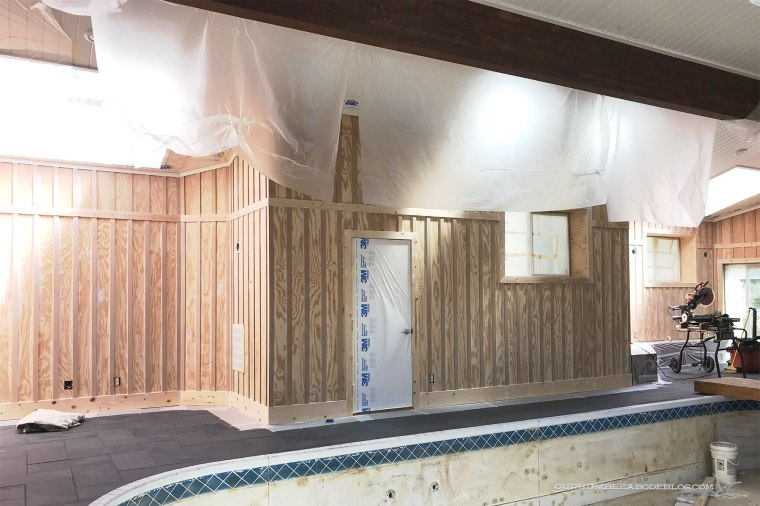 Priming-Pool-House-Walls-Masking-Room
