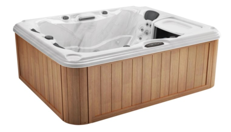 Sundance-Dover-Hot-Tub