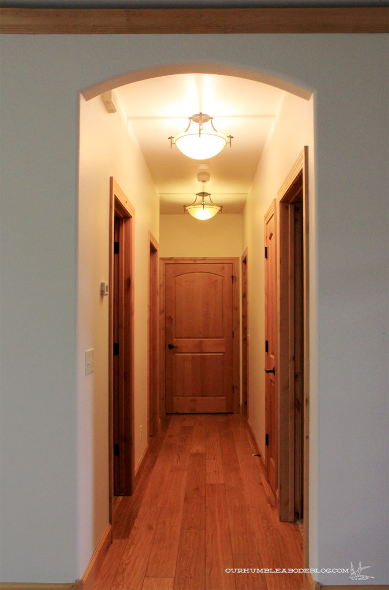 Entry-Toward-Hall-End-Before-Client