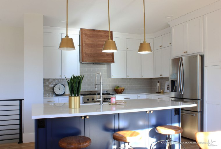 Kitchen-Island-from-Edge-of-Living-Room