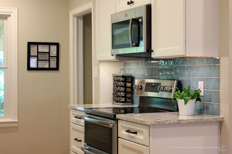 Cottage-Kitchen-Stove-Side-Horizontal-Complete