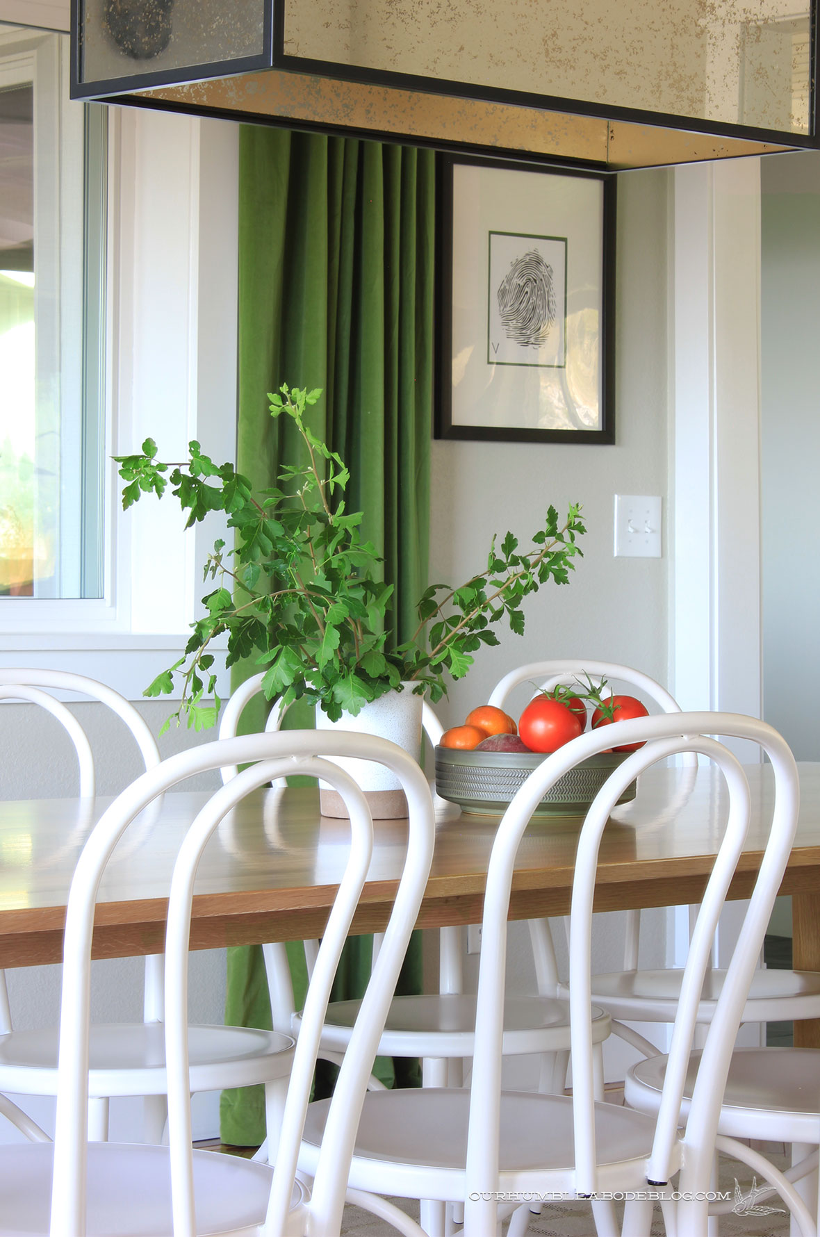 Seno-Dining-Table-Detail