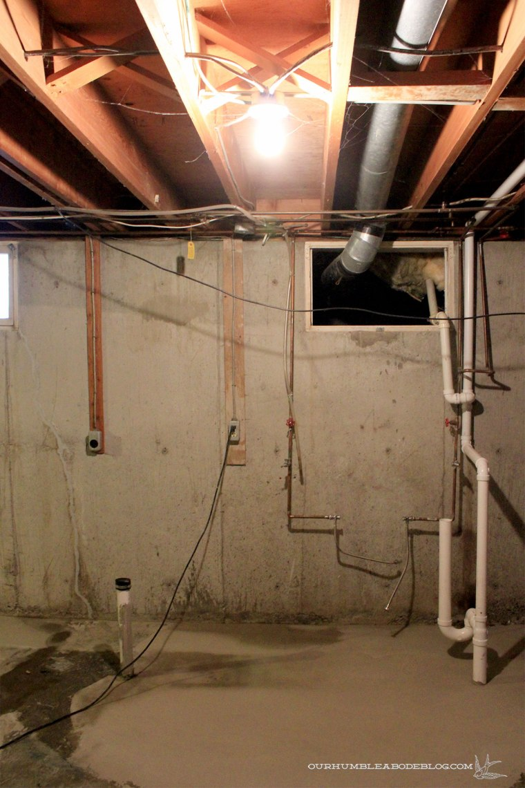 Basement-Laundry-Room-Before